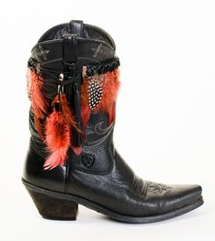 BootDazzle Caroline carries you away with crimson colored hackle feathers and black and white guinea feathers.  PERFECT STYLE FOR SOUTH CAROLINA FANS! Order now & receive 50% OFF!