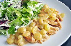Uma pitanga na cozinha: Peito de frango com molho de uvas verdes e mix de folhas