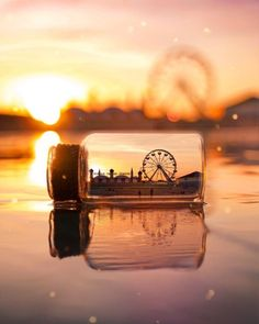 """""""The right perspective Makes the impossible Possible."""" Photo via: Sunset Wallpaper, Cute Wallpaper Backgrounds, Pretty Wallpapers, Aesthetic Iphone Wallpaper, Aesthetic Wallpapers, Miniature Photography, Cute Photography, Creative Photography, Landscape Photography"""