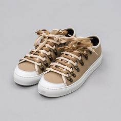 Low Canvas Trainer in Flax 8937d9142
