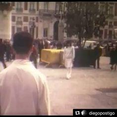 @diegopostigo ex marido de Bimba Bosé subió a instagram un video arte grabado hace 20 años donde los dos grandes amigos @bimba_bose y @davidelfin_co  vestidos de blanco se reencuentran y abrazan en medio de una multitud. Un emotivo homenaje tras la muerte de Delfín. #DavidDelfin #BimbaBosé #DiegoPostigo #videoarte #reencuentro #onebookmagazine #magazine _________________________________________ #Repost @diegopostigo (@get_repost)  Together forever.   via ONE BOOK MAGAZINE OFFICIAL INSTAGRAM…