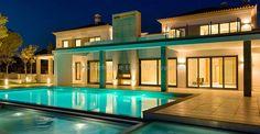 Villa Design is a Real Estate Property for sale in Algarve - Quinta do Lago, Vale do Lobo and Vilamoura. Luxury Life, Luxury Living, Luxury Real Estate, Luxury Homes, Villa Design, Algarve, Mansions Homes, Luxury Villa, My Dream Home