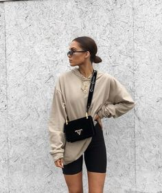 best ideas for sport style casual sporty chic Legging Outfits, Athleisure Outfits, Athleisure Fashion, Sneakers Fashion Outfits, Mode Outfits, Trendy Outfits, Sporty Summer Outfits, Leggings Outfit Summer Casual, Fashion Clothes