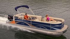 Hartwell Marina offers boat rentals! Whether you need a half day or full week, rental pontoons are the perfect way to explore the lake! #lakehartwell #hartwell #Georgia #boatrental