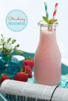 Strawberry Protein Smoothie - low in calories and hight it protein. It's super delicious and keeps you satisfied for hours!