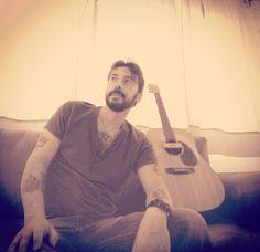 #guitar #guitarplayer #music #musicians #outlawcountry #oldschool #vintagestyle #vagabondlife #acoustic #acousticmusic #country #countrymusic #blues #bluesman #martinguitar #beard #tattoo #worldofplayers #martinguitarco #instamusic by alexscicchi https://www.instagram.com/p/BFgDzTnI_wO/ #jonnyexistence #music