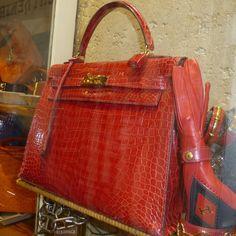 """Kelly in croc """"rouge braise"""" Hermes Kelly Bag, Hermes Bags, Hermes Handbags, Briefcase, Hand Bags, Crocodile, Luxury Branding, Crocs, Lust"""