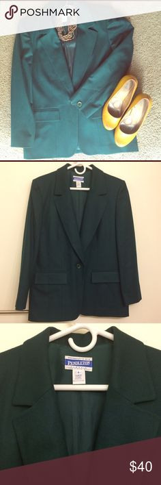 Pendleton Wool Blazer Classic forest green wool blazer and inner lining. This jacket is such a well made piece that will be a (warm) fall favorite! In impeccable condition, this cigarette style jacket still has the pockets and back slit sewn shut! Pendleton Jackets & Coats Blazers