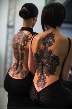 Ideas Of Meaningful And Great Tattoos For Girls Shoulder Tattoos For Women, Back Tattoo Women, Tattoo Girls, Girl Tattoos, Tatoos, Hot Tattoos, Body Art Tattoos, Arabic Tattoos, Sleeve Tattoos