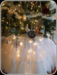 DIY Lighted Christmas Tree Skirt