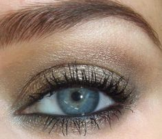 Makeup for redheads with blue eyes - makeup matching to a gold dress for new year eve