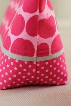 Tasche pink Seite