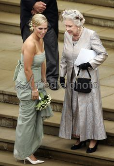 Zara Phillips and Queen Elizabeth II at the Wedding of Peter Phillips & Autumn Kelly at Windsor Castle in Berkshire. English Royal Family, British Royal Families, Autumn Phillips, Reine Victoria, Isabel Ii, Casa Real, Queen Of England, Kaiser, Queen Elizabeth