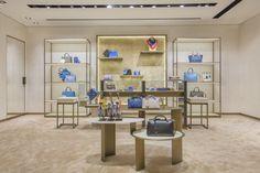Exhibición de accesorios y complementos Fendi, presentada en boutique de Korea.