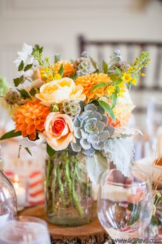 Orange, peach, yellow and grayed jade table arrangements. StokhofdeJong_Ison_Adi_Nevo_Photographs_120721SaskiaJoe590_low.jpg (600×900)