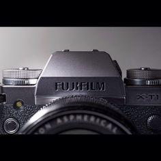 FUJIFILM X-T1 Graphite Silver Edition camera