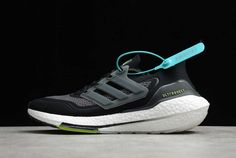 Latest Nike Shoes, New Adidas Ultra Boost, New Shoes, Adidas Originals, Black Silver, Adidas Sneakers, Solar, Yellow, Metallic