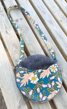 Girl Dress Patterns, Blouse Patterns, Skirt Patterns, Maxi Dress Tutorials, Fleece Hats, Fabric Bags, Pattern Drafting, Saddle Bags, Pattern Design