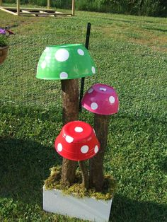 Garden Art #2 & Add a touch of fantasy to any garden with this 5 piece toadstool ...