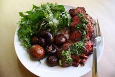 How to Make Very Paleo Chimichurri Steak | via The Hungry Girlfriend