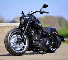 Harley Davidson News – Harley Davidson Bike Pics Harley Davidson Parts, Harley Davidson Motorcycles, Custom Motorcycles, Triumph Motorcycles, Harley Fatboy, Harley Bikes, Motorcycle Clubs, Motorcycle Tips, Bobber Motorcycle