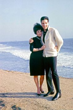 Home pictures - Priscilla Presley and Elvis Presley - allvip.us Post anything from anywhere! Priscilla Presley, Elvis Presley Lyrics, Elvis Presley Family, Elvis And Priscilla, Elvis Presley Photos, Lisa Marie Presley, Elvis Collectors, Robert Sean Leonard, Chuck Berry