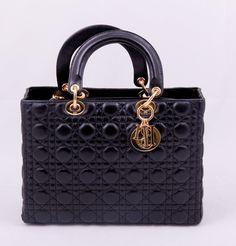 Сумка Lady Dior (Диор) черная с золотистой фурнитурой