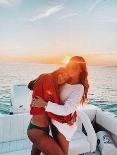 Over 73 ideas for Summer Vibes Beach Cute Friends, Best Friends, Cute Friend Pictures, Friend Pics, Friend Goals, Best Friend Fotos, Boat Pics, Shotting Photo, Summer Goals