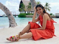 Maine Mendoza Cute Picture and Photo Maine Mendoza Outfit, Solo Photo, Theme Song, Filipino, Film Festival, Cute Pictures, Actresses, Sexy, Model