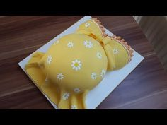 Babybauch-Torte mit Margariten/Ananasrührkuchen mit Ganache - YouTube
