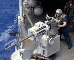 Bradley Fighting Vehicle, Uss Kearsarge, Us Sailors, Navy Sailor, Us Marines, Military Weapons, Armored Vehicles, Battleship, Water Crafts