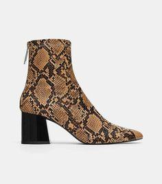 22a2bc1e799 8 Best Zara Boots images | Zara boots, Zara black, Female fashion