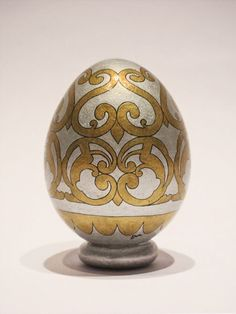 Hen eggshell, hand painted with acrylics and Indian ink Eggshell, Golden Goose, Acrylics, Hand Painted, Vase, Indian, Painting, Home Decor, Self