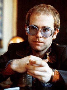 Elton John – 1973 Photo by Michael Putland