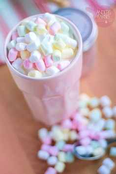 I will never ever drink something different than hot chocolate with cream and sweet mini marshmallows. Imagenes Color Pastel, Hot Chocolate With Cream, Pastel Candy, Rainbow Food, Rainbow Pastel, Rainbow Sherbet, Sweet Little Things, Food Wallpaper, Mini Marshmallows