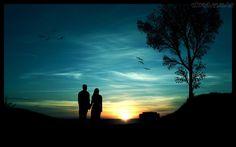 """✿⊱❥ """"O pôr-do-sol vai chegando e o dia vai tendo seu fim pra dar lugar à noite. A caminhada termina com um doce beijo de despedida e com meu olhar a acompanhar o teu andar depois de se despedir. Agora que se foi, ficarão as doces lembranças, as doces marcas. E mais um doce desejo de querer te encontrar no outro dia."""""""