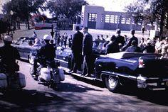 1963. 22 Novembre. Dallas, Elm Street. Z-202. By Phillip L. WILLIS. Jfk. (http://mcadams.posc.mu.edu/home.htm)