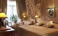 Official website of the hotel Chambiges Elysées, located near the Champs Elysées in Paris. Book directly our charming 4 stars hotel. Tour Eiffel, Paris France, Play And Stay, Double Room, French Countryside, Paris Hotels, Stay The Night, Hotel Offers, France