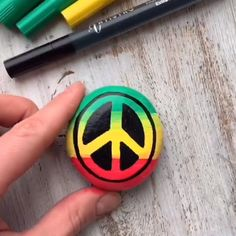 Peace rock painting tutorial - Easy and quick rock painting tutorial with Artistro paint pens medium tip. Creative idea for rock painting. Awesome video tutorial with Peace symbol rock painting. Rock Painting Patterns, Rock Painting Ideas Easy, Rock Painting Designs, Broken Glass Art, Fused Glass Art, Stained Glass Art, Shattered Glass, Paint Pens For Rocks, Rock Painting Supplies