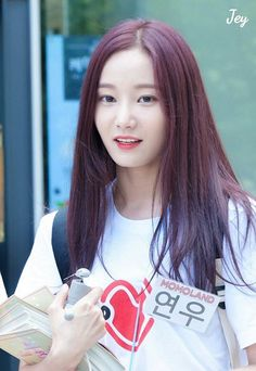 Another PIN of YEONWOO of Momoland - just because .  AMx