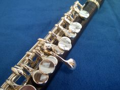 If the weather is cool, it might be time to break out some Chapstick -- for your piccolo!  http://www.repairmyflute.com/2013/06/popping-piccolos-continued.html #powellflutes #piccolo
