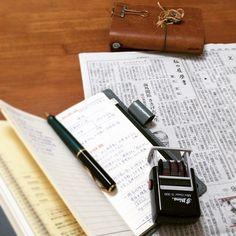 日経新聞「私の履歴書」、2月から日揮グループ代表の重久吉弘氏。NOLTY WIC 1の別冊アドレス帳にポイントを書き留めた。 別冊なので、来年の手帳に差し込むことも可能。アドレス帳には保存版のビジネスメモを書くことにした。 エンジニアリングの起源はローマ帝国時代とのこと。水道橋が当時のエンジニアリングの賜物とは興味深い話だ。 #NOLTY #ノルティ #能率手帳 #トラベラーズノート #travelersnote #Pelikan #ペリカン #ボールペン #ballpoint pen #日揮 #企業 #エンジニアリング #水道橋 #ローマ帝国 #大英帝国