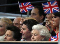 Giubileo di diamante. La regina Elisabetta II durante il concerto organizzato a Buckingham Palace in suo onore da Lord Andrew Lloyd Webber e Gary Barlow con superstar della musica