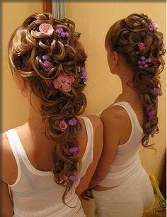 Tangled hair :) Tangled wedding maybe. Tangled Wedding, Tangled Hair, Disney Tangled, Wedding Disney, Disney Inspired Wedding Dresses, Rapunzel Wedding Dress, Tangled Flower, Disney Prom, Disney Weddings