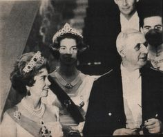 Queen Frederica wearing the emerald tiara, though she'd often wear it as a necklace once it had been taken off it's frame, as can be seen in many of the photos where she's wearing Queen Sophia's large diamond tiara