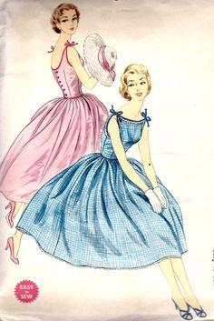 1950s Junior Sun Dress Vintage Sewing Pattern, Summer Dress, Party Dress, McCalls 3260 bust 31 uncut