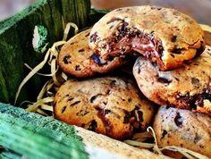 Esses cookies dão água na boca, não é verdade? Veja essa receita de Cookie de Chocolate sem Glúten e sem Lactose! Conheça nossa loja e receba em casa produtos sem glúten e sem lactose: https://www.emporioecco.com.br/alimentos-e-bebidas/mercearia.html
