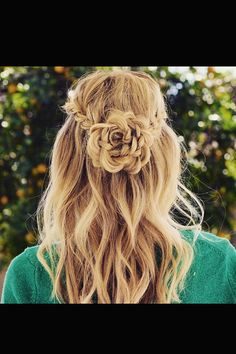 When growing up you'd probably worn numerous hairstyle ideas and until now that you're grown up you are still trying new hairdo. These classic hairstyles Braided Hairstyles For Teens, Classic Hairstyles, Trendy Hairstyles, Girl Hairstyles, Wedding Hairstyles, Braid Hairstyles, Flower Hairstyles, Teenage Hairstyles, Homecoming Hairstyles