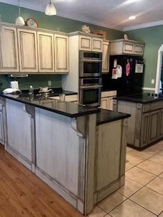 Lisa Harrison of Paintiques just finished this Beautiful Kitchen Makeover by using Drop Cloth with Hurricane Gray/Driftwood mix