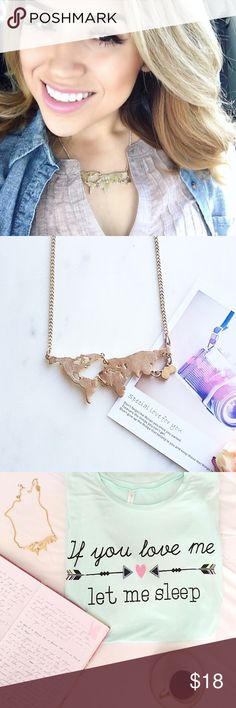 NWT map necklace! Golden fashion map necklace! NWT H.W.L Boutique Jewelry Necklaces